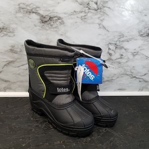 Totes Snow Boots Boys Black Green Size 2 New Black